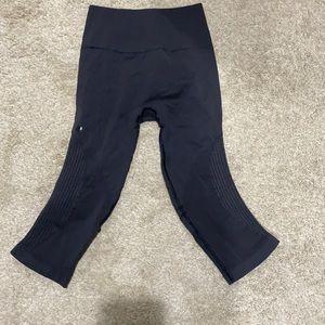 Lululemon dark gray leggings EUC